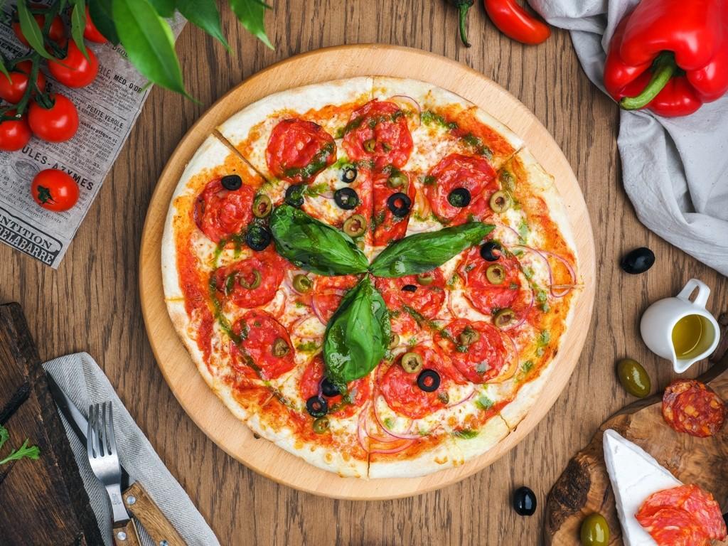 Pizza De Olive